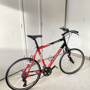 TREK 3500 Bike 28x for Sale in Tacoma, WA
