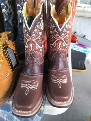Kids boot size 4.5 for Sale in Bakersfield, CA