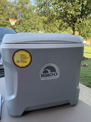Igloo cooler / Electrical. for Sale in Murfreesboro, TN