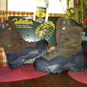 Cabellas insulated steel toed work boots for Sale in Caseyville, IL