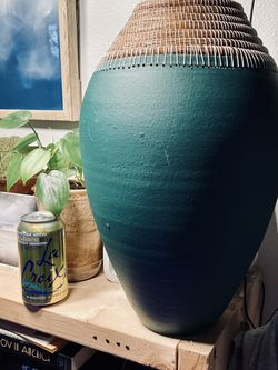 Large Ceramic Vase for Sale in Seattle,  WA