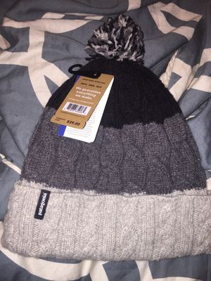 Patagonia women's Pom Beanie *BRAND NEW* for Sale in Salida, CA