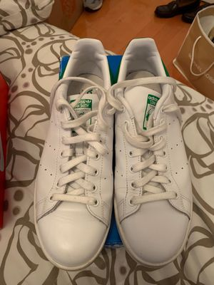 Adidas size 10 . for Sale in New York, NY