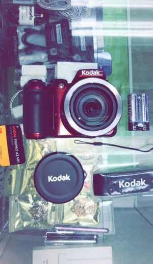 KODAK PIXPRO AZ401 Bridge Digital Camera - 16MP 40X Optical Zoom HD Video (Brand New in Box) for Sale in Dallas, TX