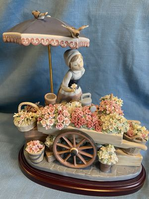 Large Retired Lladro flowers of the season figurine #1454 in excellent condition with base asking $1200 OBO for Sale in Sun City, AZ