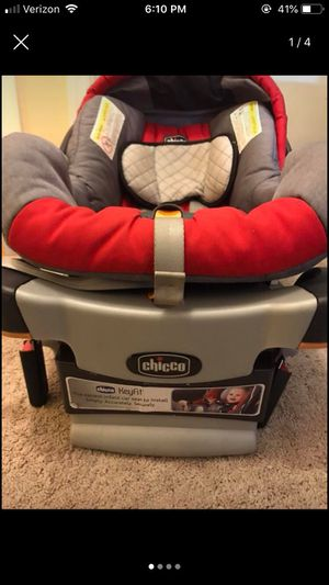 Chicco baby car seat with base and stroller for Sale in Culpeper, VA