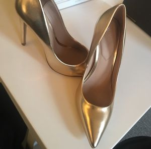 ALDO Golden Pointy toe heels for Sale in Kearny, NJ
