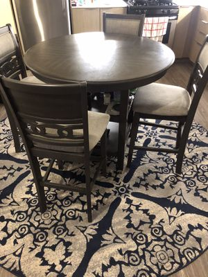 Dining table with four chairs for Sale in Los Angeles, CA