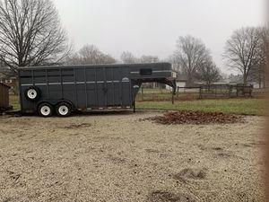 2002 moritz international horse trailer for Sale in Alliance, OH