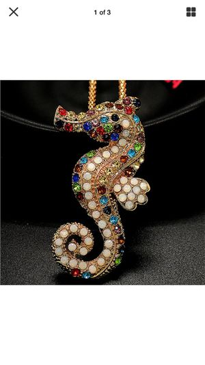 Betsey Johnson 3 d gemstone Seahorse necklace on a gold chain I ship for Sale in Northfield, OH