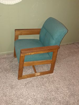 Turquoise cloth chair for Sale in Land O Lakes, FL