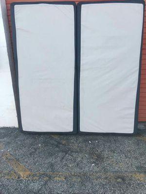King box spring for Sale in Lauderhill, FL