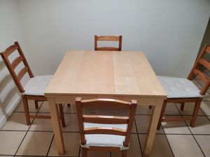 Expandable dinning table. Comedor Expandable. for Sale in Miami, FL