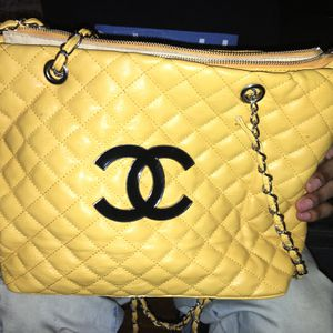 Chanel Purse for Sale in Des Moines, IA