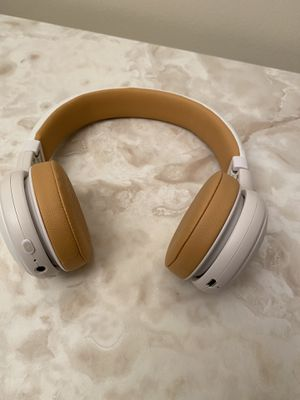 JBL Bluetooth Headphones for Sale in Carnegie, PA