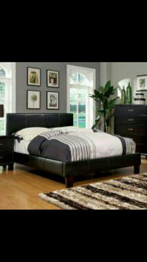 Queen bed and Organic Mattress Read Description in Full ***Deal includes*** for Sale in New York, NY