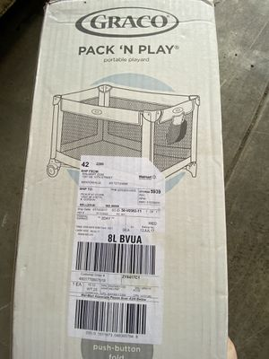 Pack n play with carrying case for Sale in Renton, WA
