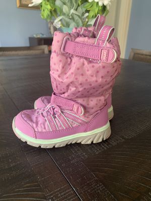 Winter boots for toddler girl for Sale in Providence, RI
