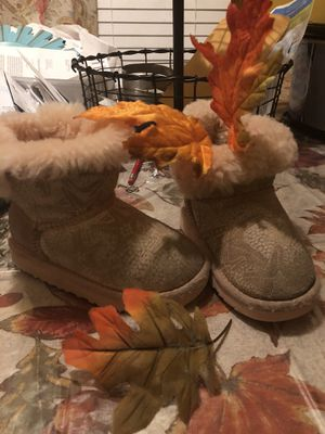 Toddlers Ugg boots for Sale in Windsor, ON