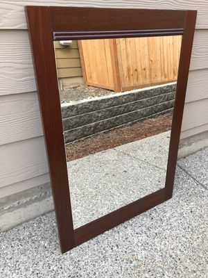 mirror size 25x35 inches for Sale in Lynnwood, WA