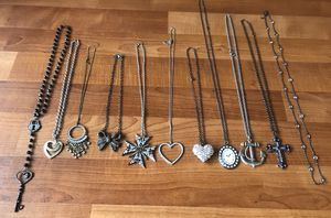 Lot of 11- Womens long costume necklaces for Sale in Pleasant Hill, CA