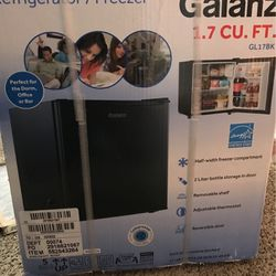 Mini Fridge , Never Been Open , Black , GALANZ for Sale in Randallstown,  MD