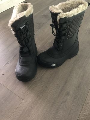 The North Face kids snow boots Size 2Y for Sale in San Diego, CA