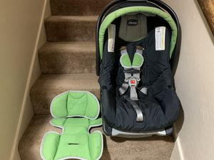 Chicco Car Seat With KeyFit Caddy for Sale in Hayward, CA