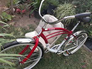 Beach cruiser 26in for Sale in Pomona, CA