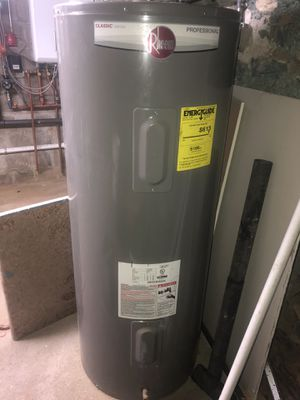 Rheem 80 gallon Electric Hot Water Heater for Sale in The Bronx, NY