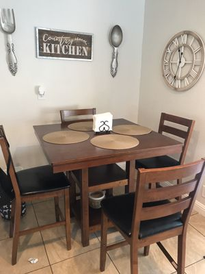 Counter Height Table with 4 chairs for Sale in Concord, CA