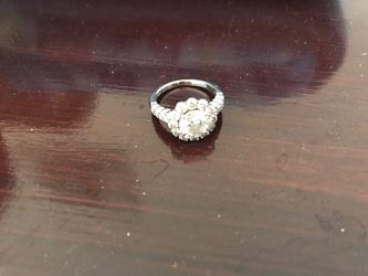 1.55 carat SI one Super shiny wedding ring! for Sale in Hollywood,  FL