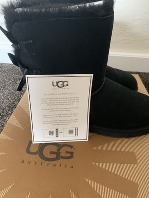 Uggs size 4 for Sale in Pittsburg, CA
