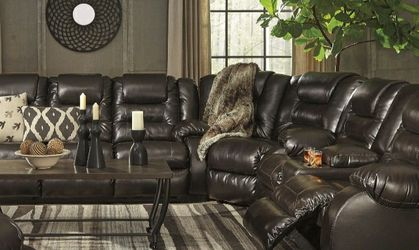 [SPECIAL] Vacherie Chocolate Reclining Sectional for Sale in Washington,  DC
