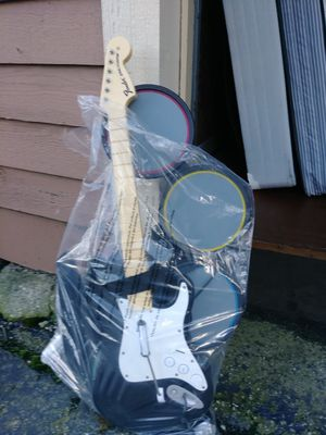 Electric guitar and drum set for Sale in Columbus, OH