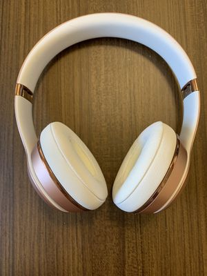 NEW Beats Solo3 Rose Gold Wireless Headphones for Sale in Austin, TX