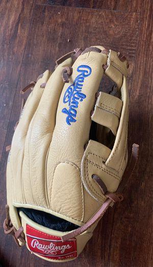 Rawlings baseball glove for Sale in Corona, CA