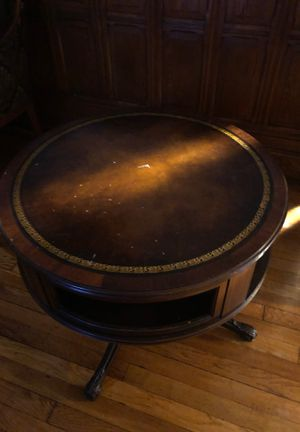 beautiful vintage antique end round tables . for Sale in Brooklyn, NY