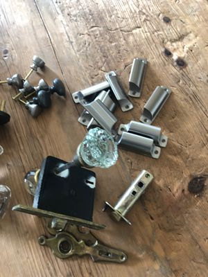 Door knobs and drawer pulls for Sale in Tacoma, WA