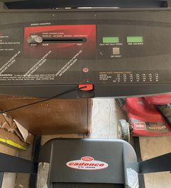 Weslo Cadence TS300 Treadmill for Sale in Kirkland,  WA