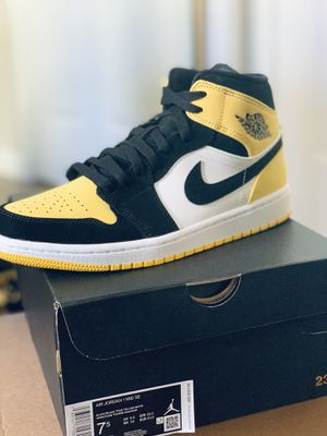 Air Jordan 1 Yellow Toe 7.5 mens limited for Sale in Glendale, CA