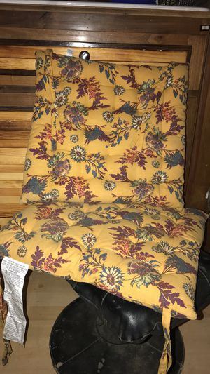 2 cushions for Sale in Prineville, OR