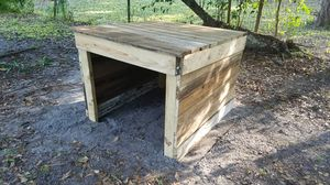 Dog house for Sale in Fort Walton Beach, FL