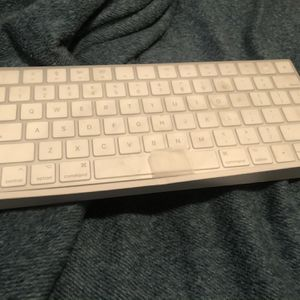 Magic Keyboard + Magic Mouse for Sale in Barstow, CA