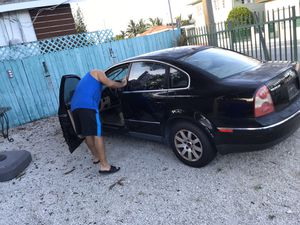 Volkswagen Passat turbo 2002 for parts or complete for Sale in Miami, FL