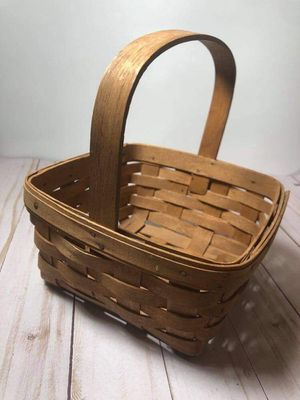 Longaberger basket 1988 handwoven in USA for Sale in Miami, FL