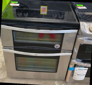Whirlpool Electric Stove 😀😀🤯🤯🤯⚡️ I V for Sale in Houston, TX