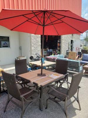 Patio Table with Set of 4 Dining Chairs for Sale in Lutz, FL