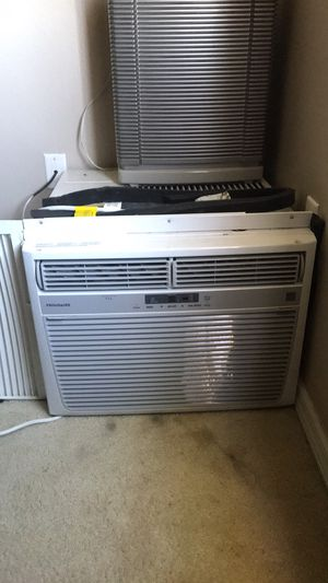 220 window unit ac used once for Sale in Poinciana, FL