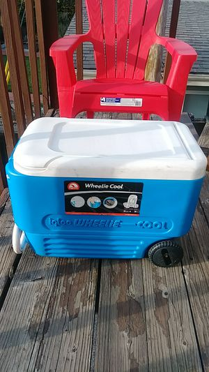 38 u.s. QT .wheelie cool cooler for Sale in San Jose, CA
